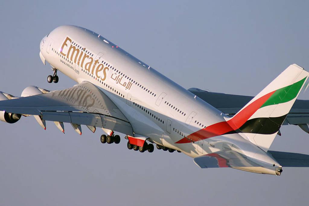 """97.26 ملياراً إنفاق """"طيران الإمارات"""" على كوادرها في 10 سنوات"""