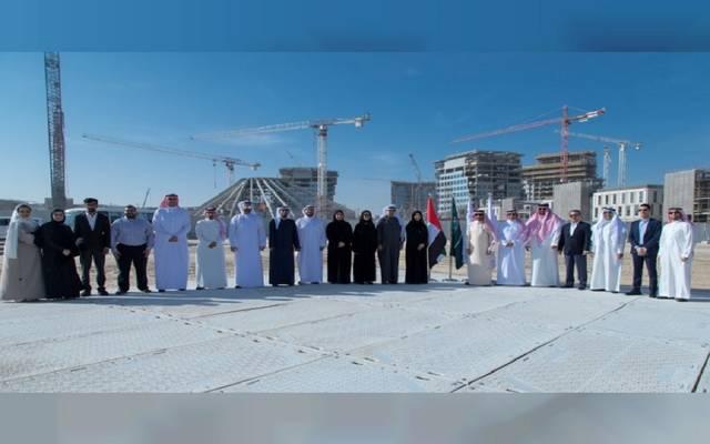 الوفد السعودي خلال تسلم موقع جناح المملكة في أكسبو 2020