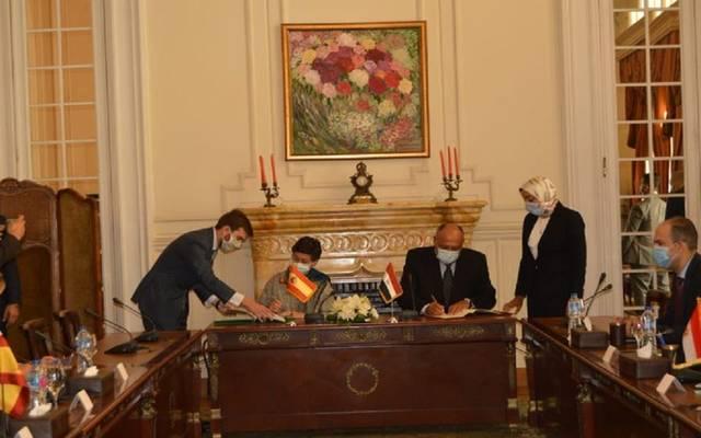 مصر وإسبانيا توقعان مذكرة تفاهم للتشاور السياسي