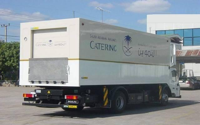 """شاحنة تابع لشركة الخطوط السعودية للتموين """"التموين"""""""