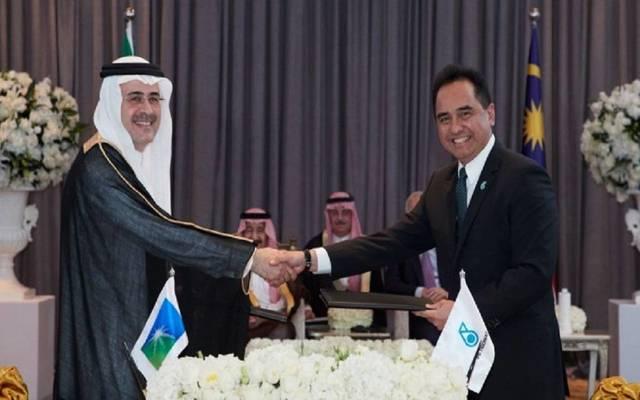 """""""أرامكو"""" و""""بتروناس"""" توقعان اتفاقية للمشاركة في مشروع للبتروكيماويات بماليزيا"""