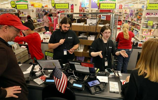 US service sector growth picks up in November