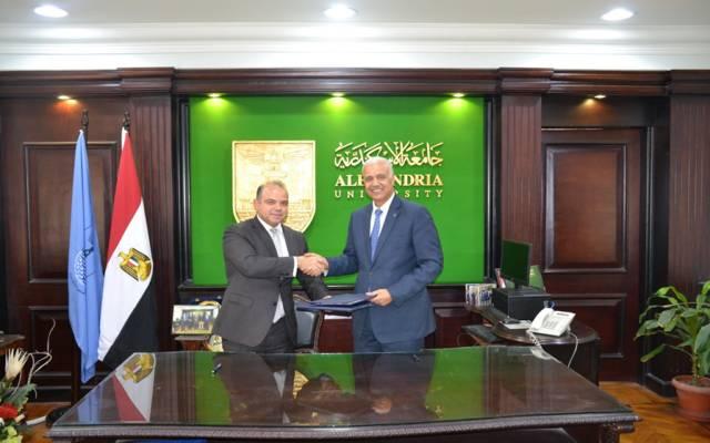 رئيس البورصة المصرية  محمد فريد خلال توقيع برتوكول مع جامعة الأسكندرية