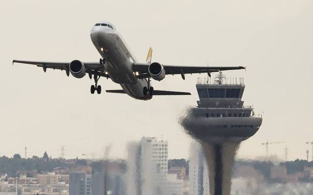 World needs 8,000 jets to deliver vaccines - IATA