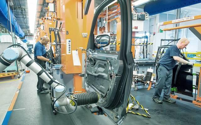 طلبيات التصنيع البريطانية تتراجع بأسرع وتيرة منذ 2009