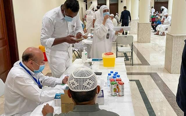 جانب من عمليات التطعيم في الكويت
