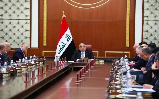 رئيس حكومة تصريف الأعمال اليومية العراقية عادل عبدالمهدي، خلال ترؤسه اجتماع مجلس الوزراء الأسبوعي مساء الثلاثاء