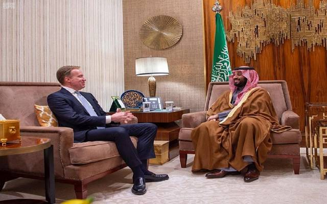 """ولي العهد السعودي يبحث فرص الشراكة مع رئيس """"دافوس"""" الاقتصادي"""