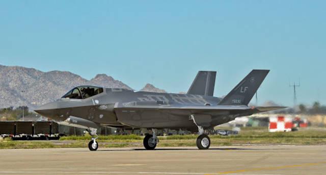 """البيت الأبيض يعتزم  بيع 50 طائرة من طراز """"إف-35"""" من إنتاج شركة لوكهيد مارتن إلى الإمارات"""