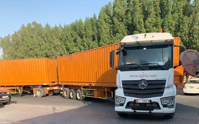 إحدى الشاحنات ذات المقطورات المزدوجة التابعة للشركة
