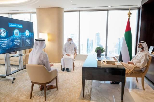 جانب من إعلان الشيخ محمد بن راشد حاكم دبي عن الاستعداد لبناء قمر صناعي بكوادر إماراتية