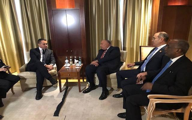 وزير الخارجية المصري سامح شكري مع وزير الخارجية والتعاون الدولي الإيطالي لويجي دي مايو