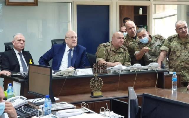 ميقاتي خلال الاجتماع مع قيادات الجيش