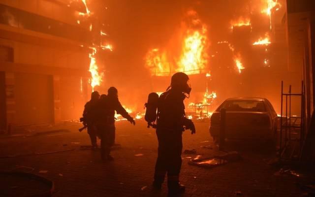 قوات الدفاع المدني السعودية خلال سيطرة على حريق بأحد المصانع- أرشيفية