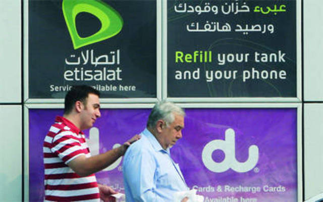 Etisalat and Du fails to keep 152,320 mobile phone subscribers in 7M