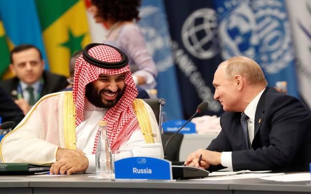 """ولي العهد السعودي يتفق مع الرئيس الروسي على مواصلة الالتزام باتفاق """"أوبك +"""""""