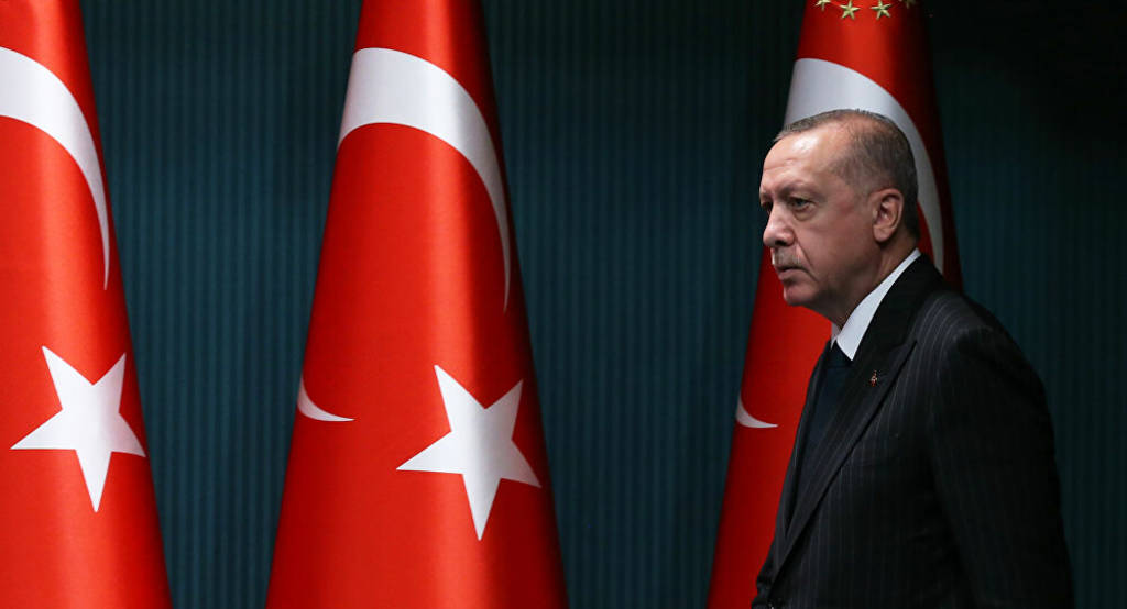 After the deterioration of the lira, Erdogan fired the head of the Turkish Central Bank 1024