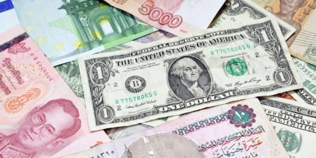 الجنيه المصري يرتفع لأعلى مستوى في عامين أمام الدولار