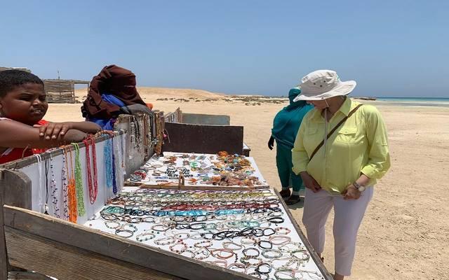 وزيرة البيئة خلال تفقدها محمية وادي الجمال بمحافظة البحر الأحمر