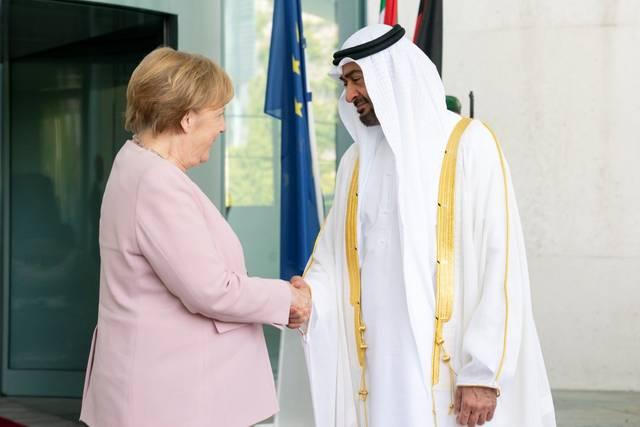 بالصور..محمد بن زايد يبحث مع المستشارة الألمانية تعزيز العلاقات الثنائية