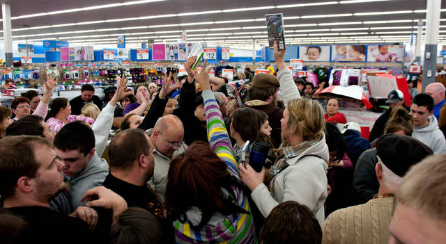 Black Friday, Fed minutes top week's global market events