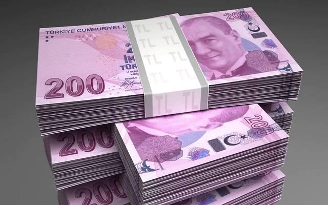 الليرة التركية تتعرض للضغط وتواصل الهبوط أمام الدولار