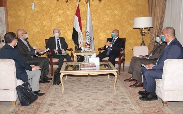 خلال اجتماع وزير النقل المصري مع السفير الياباني