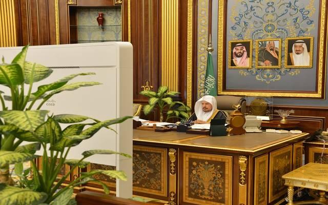 عبدالله آل الشيخ رئيس مجلس الشورى السعودي خلال ترؤسه الجلسة العادية للمجلس