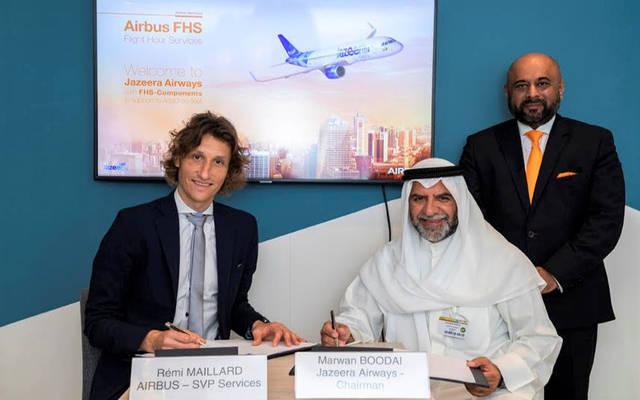 جانب من مراسم توقيع الاتفاقية بين طيران الجزيرة وإيرباص