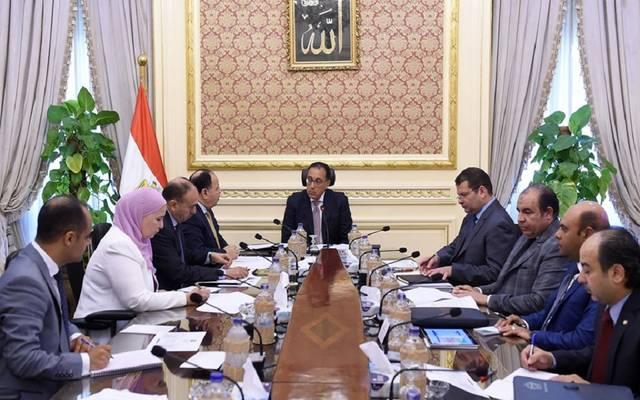 رئيس الوزراء المصري مصطفى مدبولي يراجع إعفاء غير القادرين  على دفع اشتراكات منظومة التأمين الصحى الجديدة