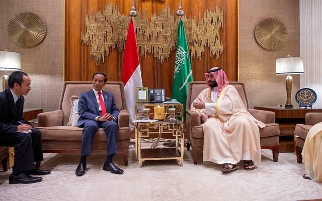 ولي العهد السعودي خلال لقاء الرئيس الإندونيسي
