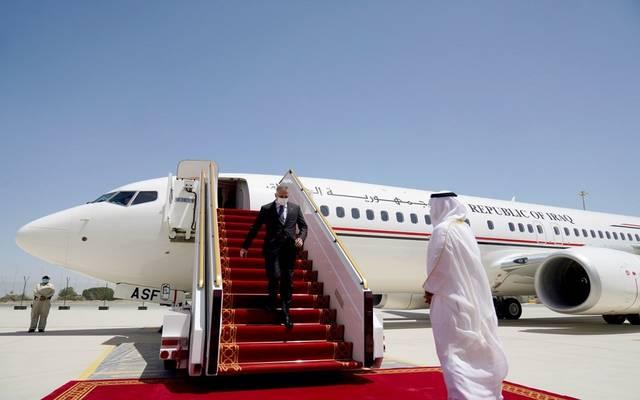 رئيس الوزراء العراقي يصل الإمارات على رأس وفد حكومي
