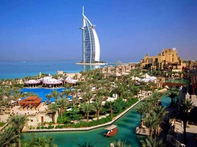 برج العرب إحدى المناطق السياحية بدبي