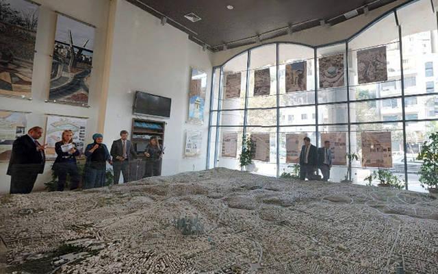قاعدة تضم مجسم خريطة المملكة بمتحف الأردن