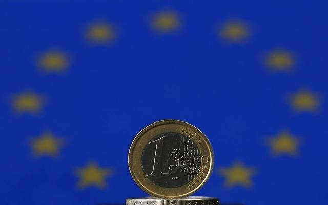 اليورو سجل مكاسب بنحو 1% منذ نهاية الأسبوع الماضي
