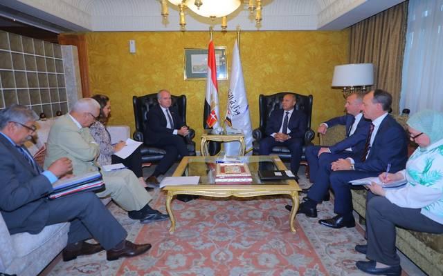 """مصر تبحث مع """"ميرسك"""" التعاون في مجالات النقل المختلفة"""