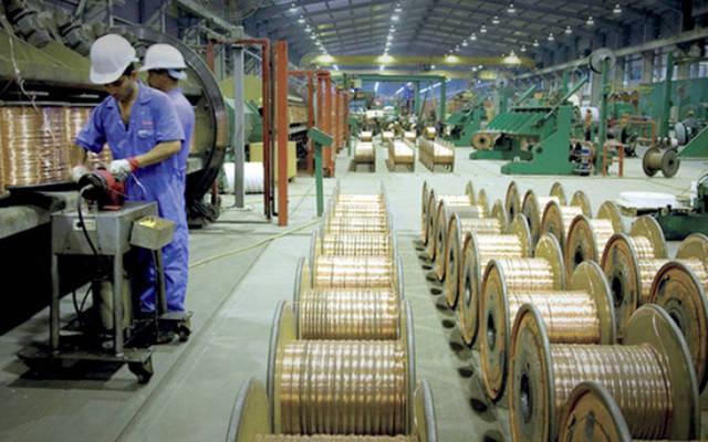 خطوط الإنتاج بمصنع للكابلات
