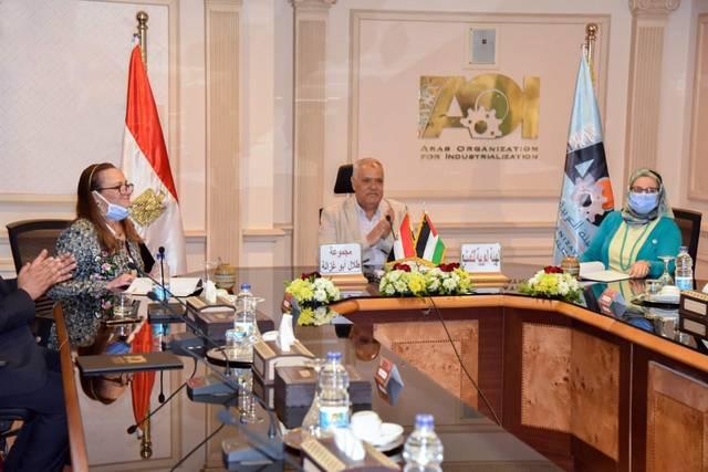 مصر.. إجراء حكومي لتعميق التصنيع المحلي لأجهزة التابلت واللاب توب