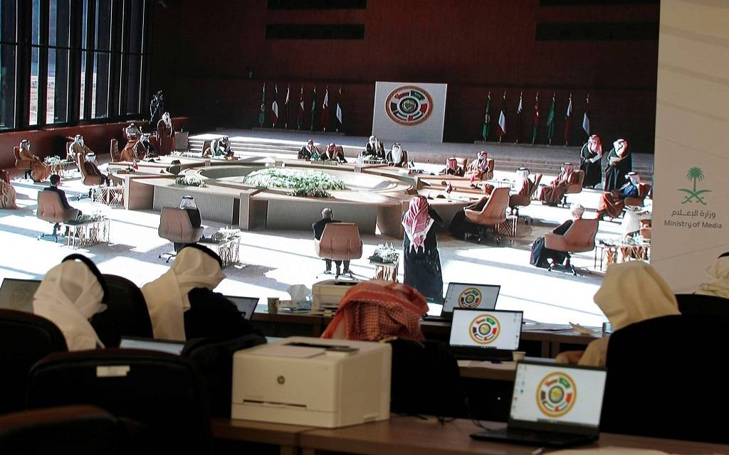 وزير إماراتي: قمة العُلا أنهت الخلاف مع قطر.. ونحتاج لبناء الثقة