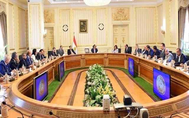 """""""مدبولي"""" لـ""""المستثمرين"""": مصر مهتمة بالاستثمار الصناعي والأراضي يتم تخصيصها مباشرة"""