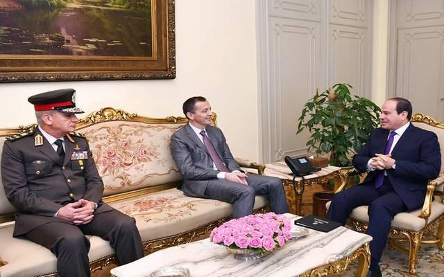 لرئيس المصري عبد الفتاح السيسي مع وزير دفاع جمهورية الجبل الأسود بريدراج بوسكوفيتش