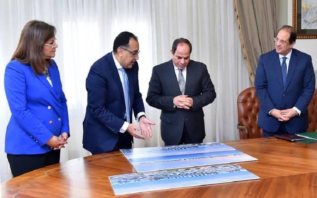 الرئيس السيسي خلال عرض لرئيس الوزراء عن مستجدات العمل في مدينة العلمين الجديدة