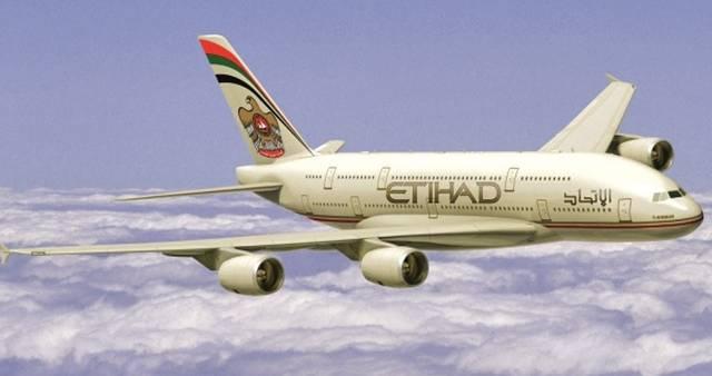 الاتحاد للطيران وطيران الإمارات تؤكدان: الرحلات إلى بريطانيا دون تغيير