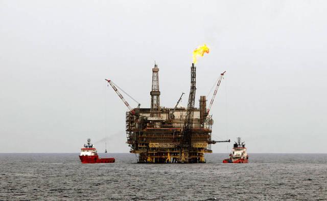 """""""الوطني"""" يتوقع بقاء أسعار النفط بين 55 و60 دولاراً للبرميل"""