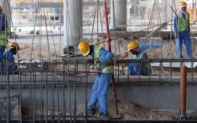 """""""العفو الدولية""""تطالب قطر بحماية حقوق العمال قبل كأس العالم 2022"""