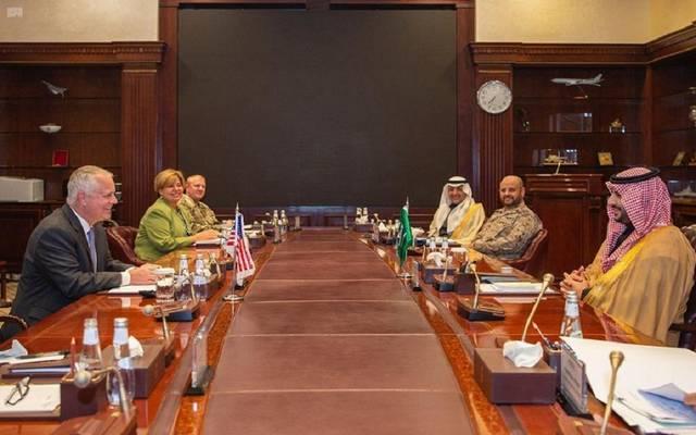 جانب من لقاء نائب وزير الدفاع السعودي ووكيل وزارة الدفاع الأمريكية