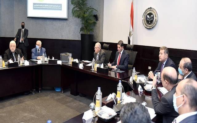 خلال اجتماع رئيسا هيئة الاستثمار ومصلحة الجمارك مع عدد من المستثمرين