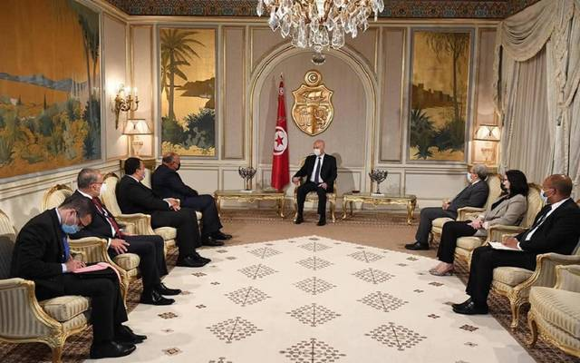 الرئيس التونسي يستقبل سامح شكري بقصر قرطاج الرئاسي
