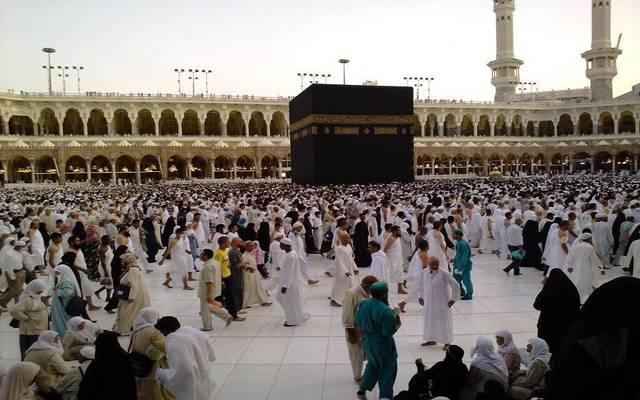 السعودية تُعيد هيكلة تأشيرات الزيارة والحج وإلغاء رسوم تكرار العمرة