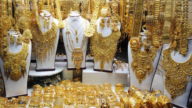 تشهد أسعار الذهب بالإمارات اليوم الاثنين 23 يوليو 2018 تراجعاً مقارنة بأسعار الاسبوع الماضي
